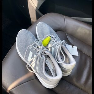 Shoes - NWT adidas tennis shoes